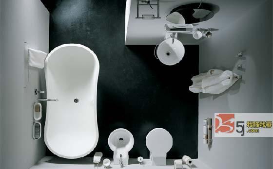 现代生活中卫生间不仅是方便、洗尽身上尘垢的地方,也是调剂身心、放松神经、恢复省略的场所。因此,无论在空间布置上,还是设备材料、色彩、线条、灯光等设计方面,都就不应忽视,使之发挥最佳效果。   卫生间的材料选择   卫生间的设计基本上以方便、安全、易于清洗及美观得体为主。由于卫生间的水气很重,内部装潢用料必须以防水材料为主。浴室的墙壁和天花板所占面积最大,所以应选择既防水又抗腐蚀和防霉的材料来确保室内卫生,瓷砖、强化板和具防水功能是塑料壁纸都能达到这些要求。天然石料如大理石则具有特殊的质感,但可异在狭
