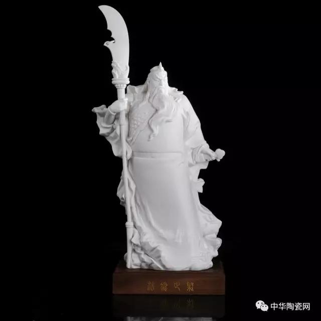 孔子雕像背部图片